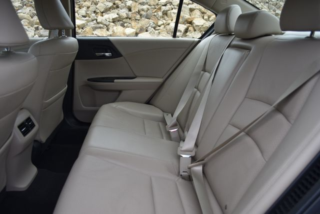 2017 Honda Accord Hybrid EX-L Naugatuck, Connecticut 13