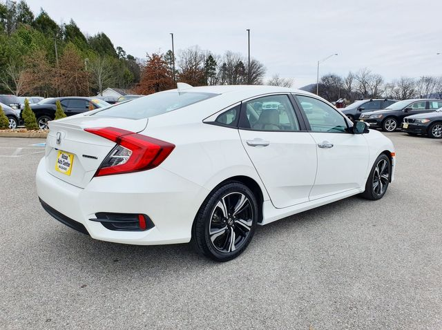 2017 Honda Civic Touring w/Leather/Navigation in Louisville, TN 37777
