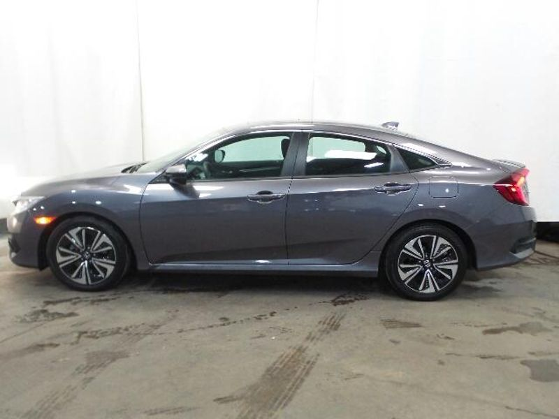 2017 Honda Civic EX-T  in Victoria, MN