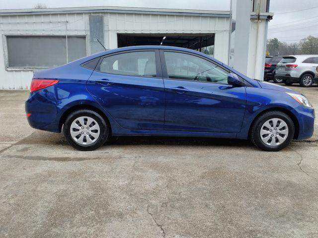 2017 Hyundai Accent SE Houston, Mississippi 3