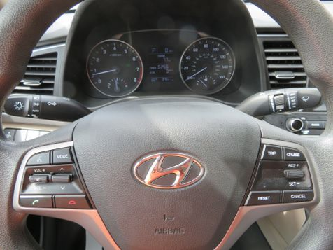 2017 Hyundai Elantra SE | Abilene, Texas | Freedom Motors  in Abilene, Texas