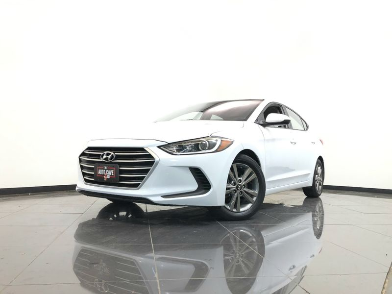 2017 Hyundai Elantra *2017 Hyundai Elantra Limited 19K Miles!* | The Auto Cave in Addison