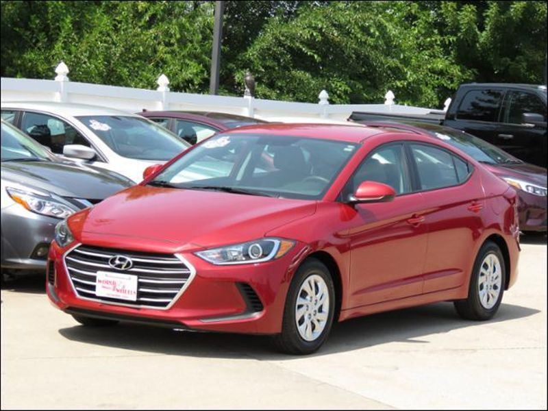 2017 Hyundai Elantra SE Scarlet Red in Ankeny IA