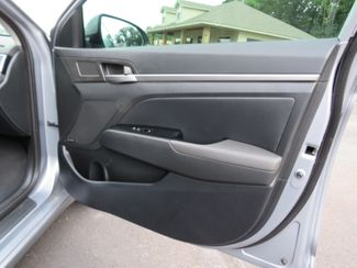 2017 Hyundai Elantra Limited Batesville, Mississippi 31