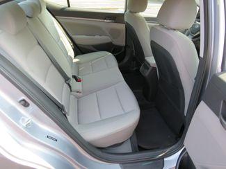 2017 Hyundai Elantra SE Batesville, Mississippi 32