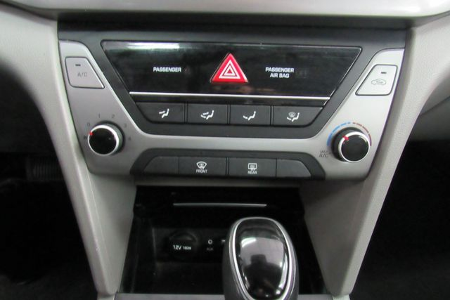 2017 Hyundai Elantra SE Chicago, Illinois 17