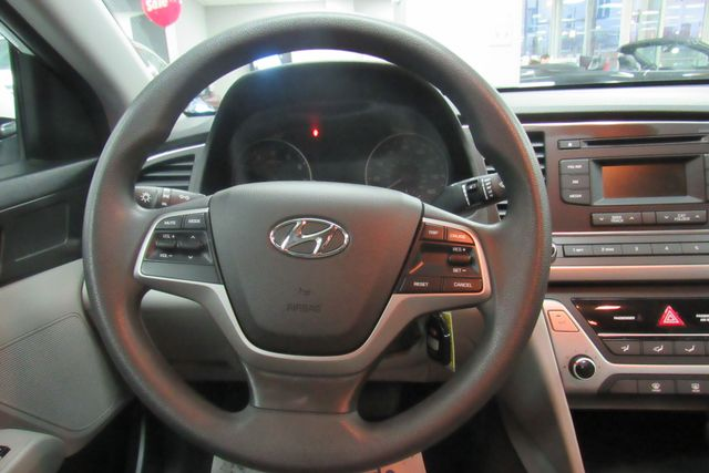 2017 Hyundai Elantra SE Chicago, Illinois 16