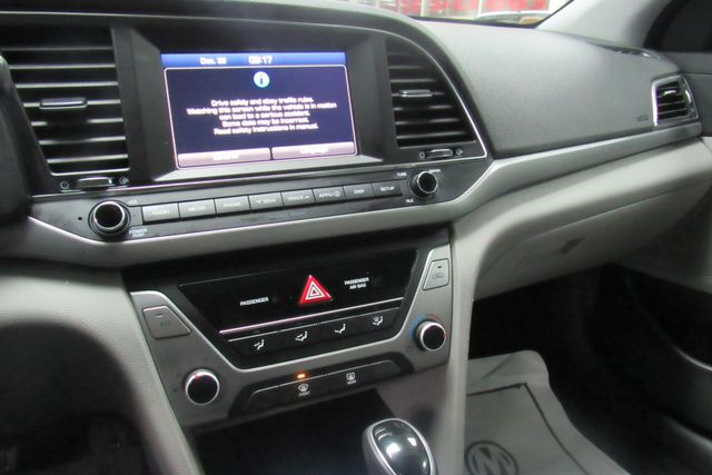 2017 Hyundai Elantra SE W/ NAVIGATION SYSTEM/ BACK UP CAM Chicago, Illinois 11