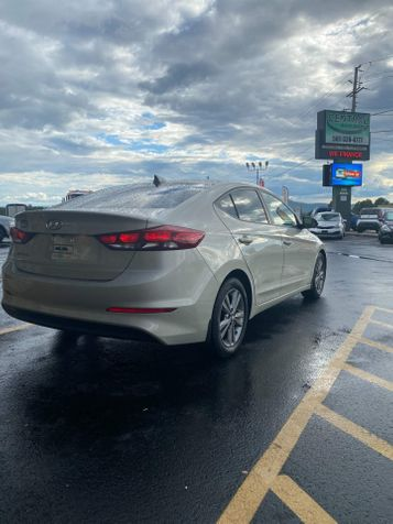2017 Hyundai Elantra SE   Hot Springs, AR   Central Auto Sales in Hot Springs, AR