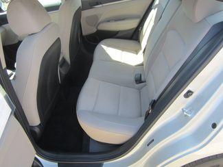 2017 Hyundai Elantra SE Houston, Mississippi 8