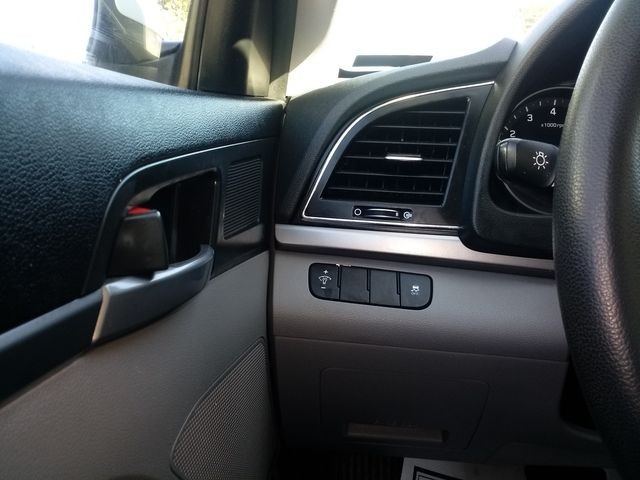 2017 Hyundai Elantra SE Houston, Mississippi 13