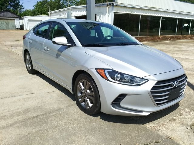 2017 Hyundai Elantra SE Houston, Mississippi 1