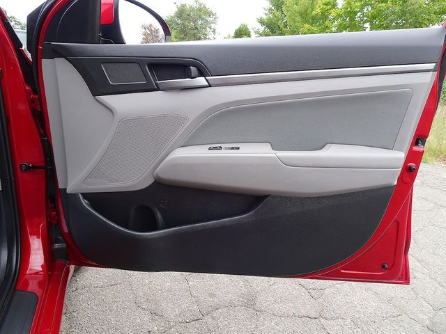 2017 Hyundai Elantra SE Madison, NC 34