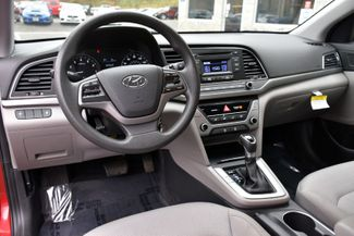 2017 Hyundai Elantra SE Waterbury, Connecticut 9
