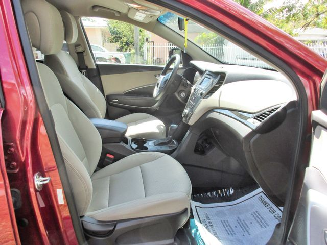 2017 Hyundai Santa Fe SE Miami, Florida 17