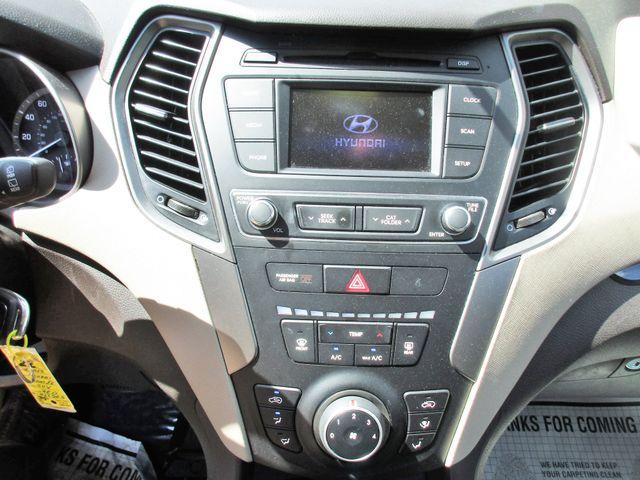 2017 Hyundai Santa Fe SE Miami, Florida 19