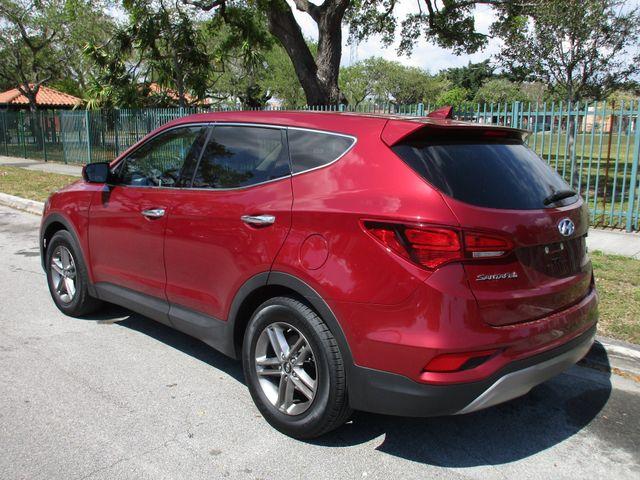 2017 Hyundai Santa Fe SE Miami, Florida 4