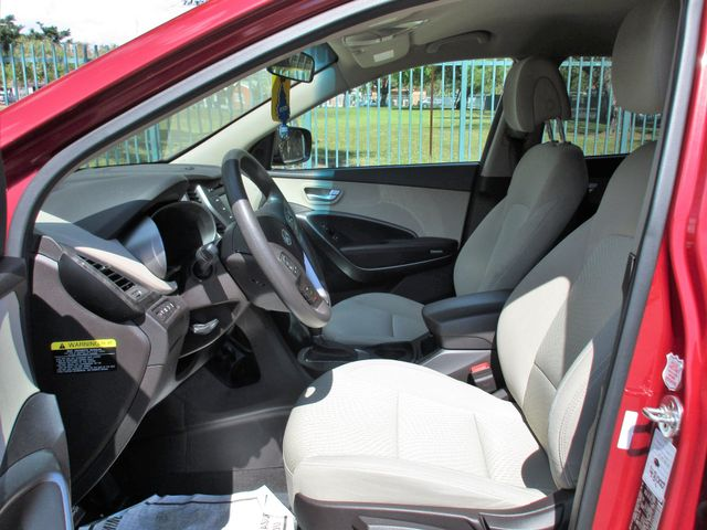 2017 Hyundai Santa Fe SE Miami, Florida 11