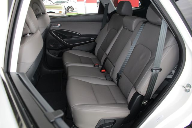 2017 Hyundai Santa Fe SE Ultimate AWD - NAV - PANO SUNROOFS! Mooresville , NC 12