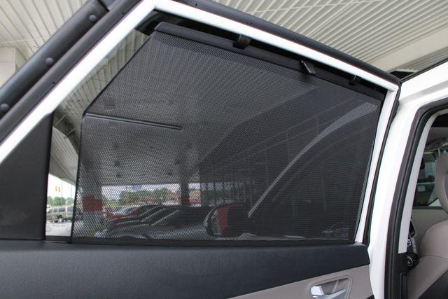 2017 Hyundai Santa Fe SE Ultimate AWD - NAV - PANO SUNROOFS! Mooresville , NC 56