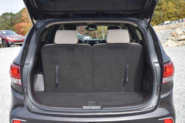 2017 Hyundai Santa Fe SE Naugatuck, Connecticut 9