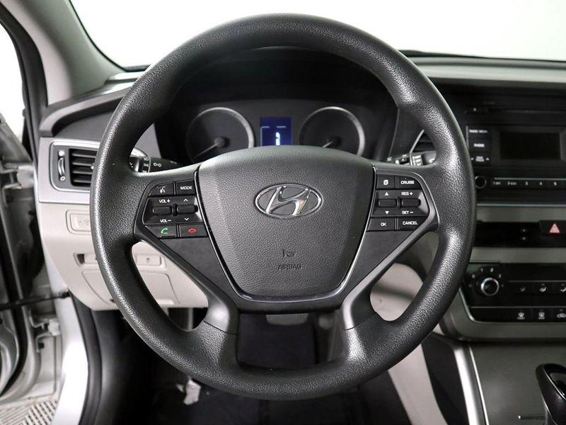 2017 Hyundai Sonata 24L  city Ohio  North Coast Auto Mall of Cleveland  in Cleveland, Ohio