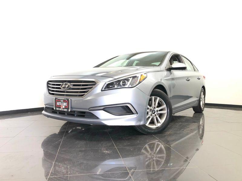 2017 Hyundai Sonata *Drive TODAY & Make PAYMENTS* | The Auto Cave in Dallas