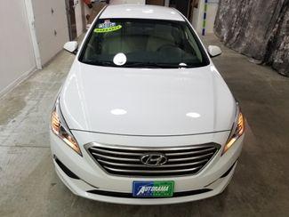 2017 Hyundai Sonata SE  Dickinson ND  AutoRama Auto Sales  in Dickinson, ND