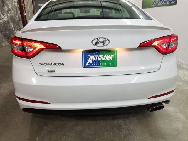 2017 Hyundai Sonata SE in Dickinson, ND 58601