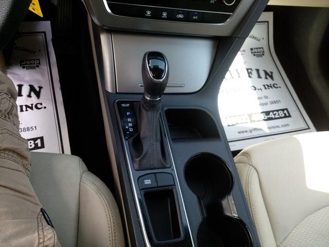 2017 Hyundai Sonata 2.4L Houston, Mississippi 13