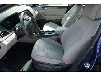 2017 Hyundai Sonata 24L  city Texas  Vista Cars and Trucks  in Houston, Texas