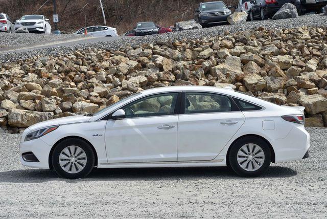 2017 Hyundai Sonata Hybrid SE Naugatuck, Connecticut 1