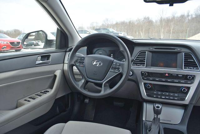 2017 Hyundai Sonata Hybrid SE Naugatuck, Connecticut 14