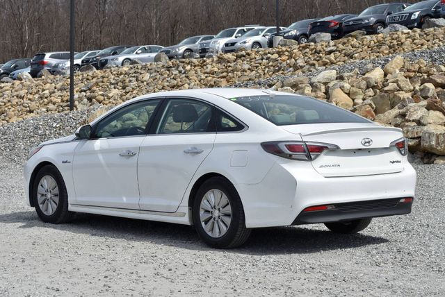 2017 Hyundai Sonata Hybrid SE Naugatuck, Connecticut 2
