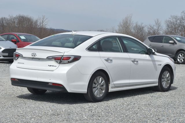 2017 Hyundai Sonata Hybrid SE Naugatuck, Connecticut 4