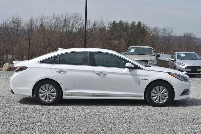 2017 Hyundai Sonata Hybrid SE Naugatuck, Connecticut 5