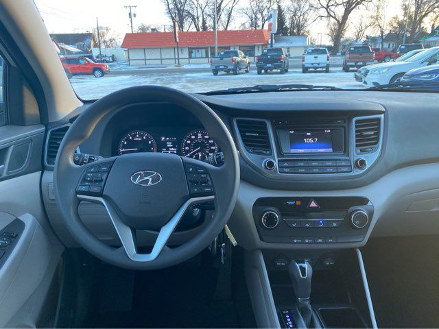 2017 Hyundai Tucson SE ONLY ONLY 1,200 Miles in Dickinson, ND 58601