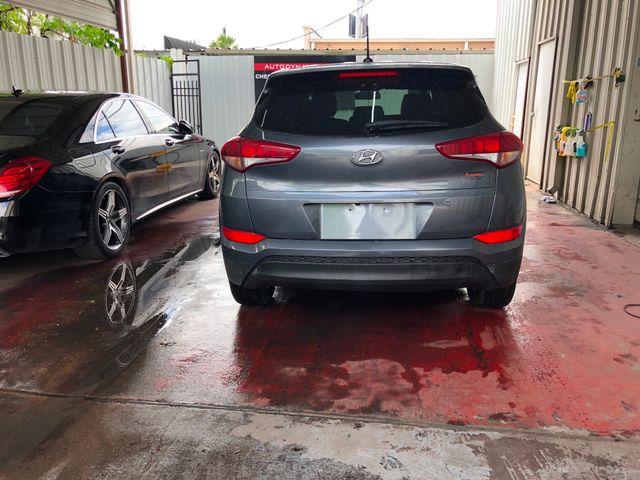 2017 Hyundai Tucson SE Houston, Texas 3
