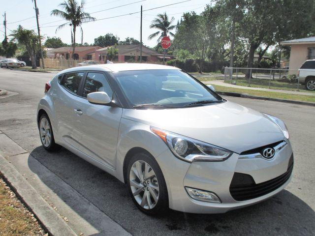 2017 Hyundai Veloster Miami, Florida 5
