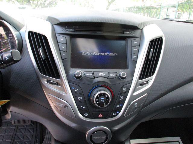 2017 Hyundai Veloster Miami, Florida 10