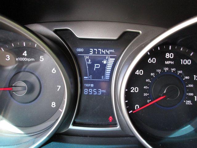 2017 Hyundai Veloster Miami, Florida 12