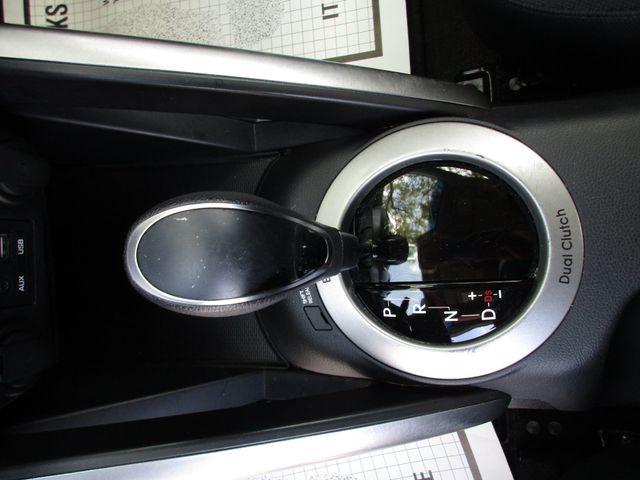 2017 Hyundai Veloster Miami, Florida 13