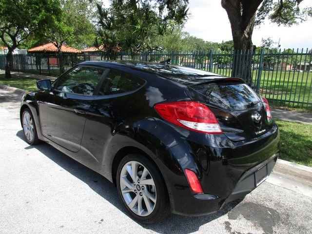 2017 Hyundai Veloster Miami, Florida 2