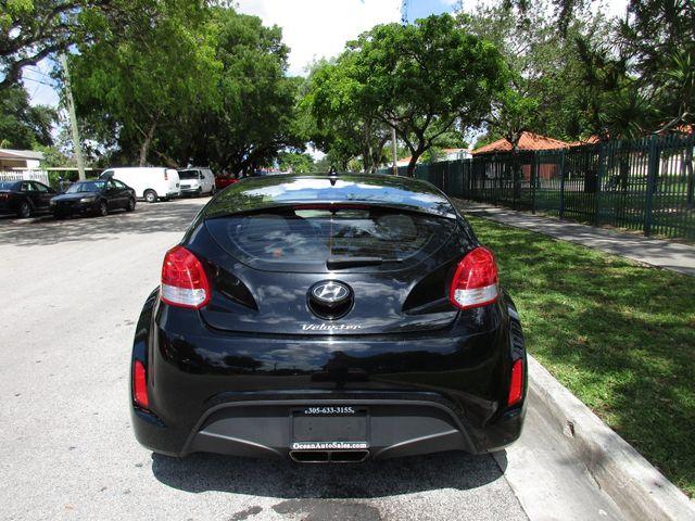 2017 Hyundai Veloster Miami, Florida 3