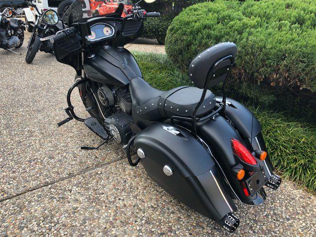 2017 Indian Chieftain® Dark Horse in McKinney, TX 75070