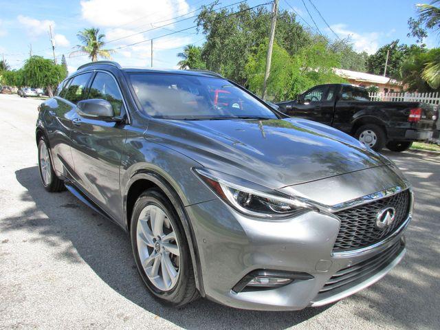 2017 Infiniti QX30 Premium Miami, Florida 3