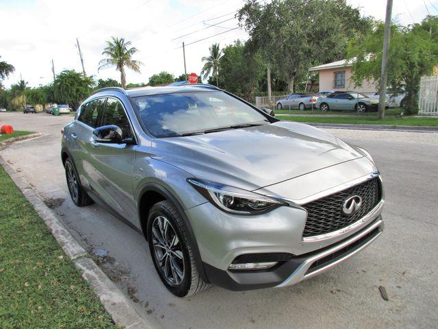 2017 Infiniti QX30 Premium Miami, Florida 5