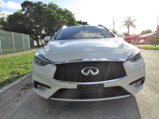 2017 Infiniti QX30 Premium Miami, Florida 4