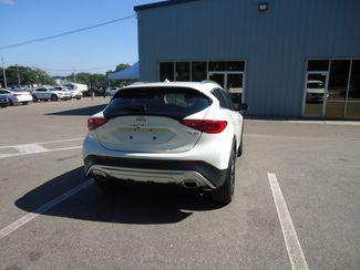 2017 Infiniti QX30 Premium AWD. PANORAMIC. NAVIGATION SEFFNER, Florida 15