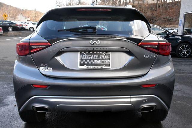 2017 Infiniti QX30 Premium Waterbury, Connecticut 5